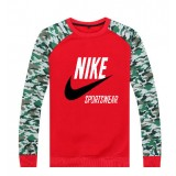 Pull Rouge Nike Collection